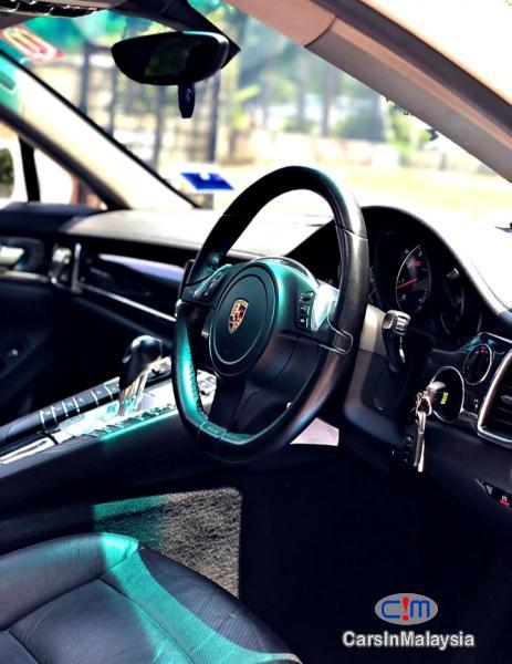 Porsche Panamera 3.6-LITER LUXURY SUPER SPORT CAR Automatic 2014 - image 9