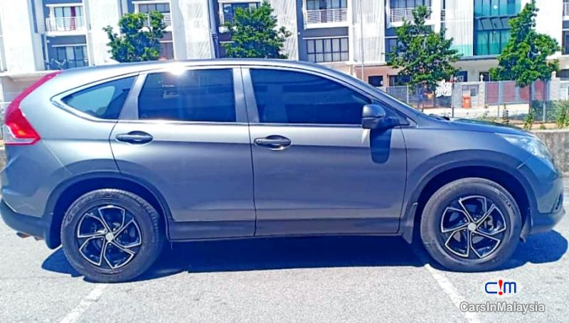 Honda CR-V 2.0-LITER LUXURY FAMILY SUV Automatic 2013