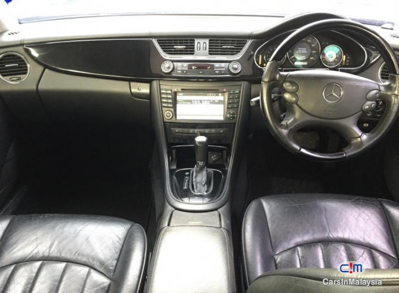 Mercedes Benz CLS 350 3.5-LITER LUXURY SEDAN Automatic 2006 - image 9
