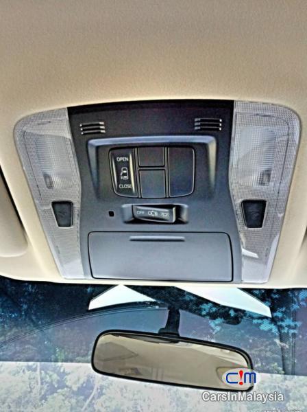 Toyota Alphard 2.5-LITER LUXURY FAMILY MPV Automatic 2015 - image 17