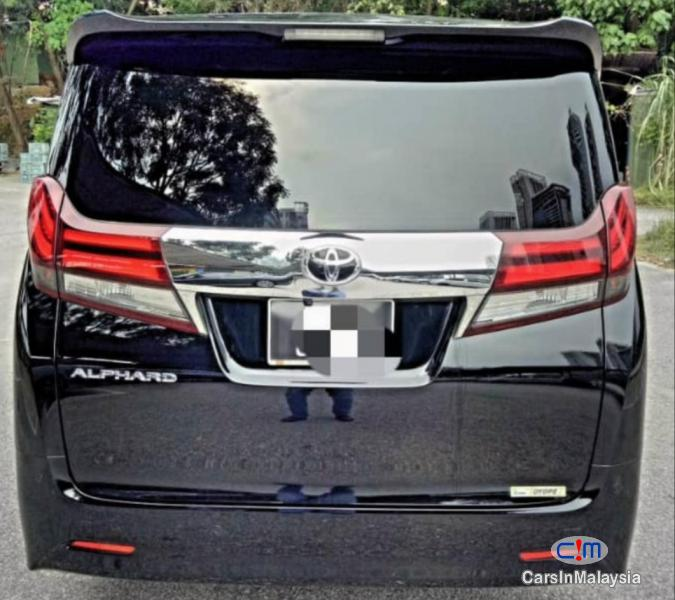 Toyota Alphard 2.5-LITER LUXURY FAMILY MPV Automatic 2015 in Malaysia