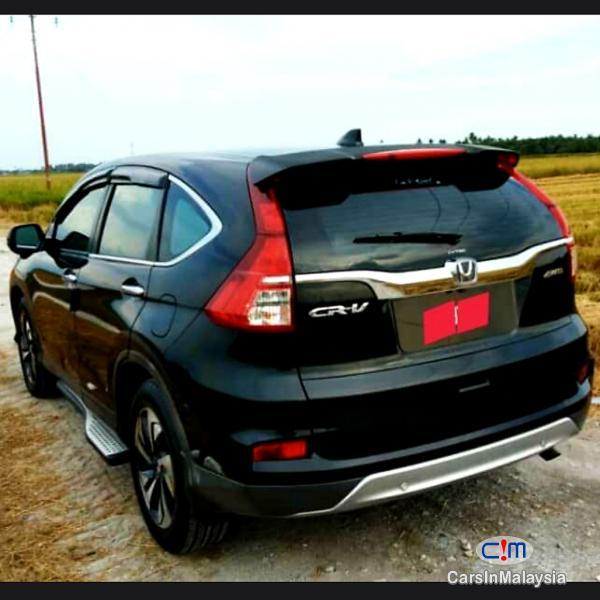 Pictures of Honda CR-V 2.0 I-Vtec Automatic 2016