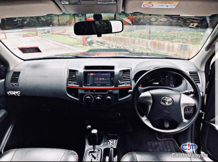 Toyota Hilux 4WD TRD SPORTIVO Automatic 2016 in Selangor - image