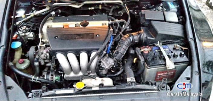 Picture of Honda Accord 2.4-Liter Luxury Sedan Automatic 2005 in Perak