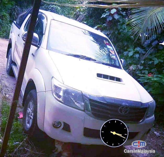 Toyota Hilux 2.5 4X4 TURBO DIESEL AUTO Automatic 2013 in Johor