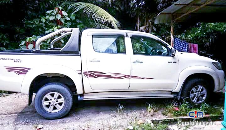 Toyota Hilux 2.5 4X4 TURBO DIESEL AUTO Automatic 2013 in Malaysia