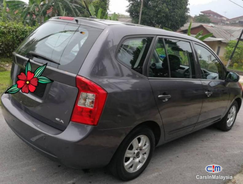 Picture of Naza Rondo 2.4-LITER ECONOMY FAMILY MPV Automatic 2009