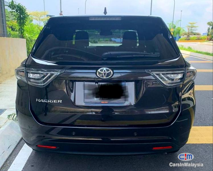 Toyota Harrier 2.0-LITER LUXURY SUV Automatic 2015