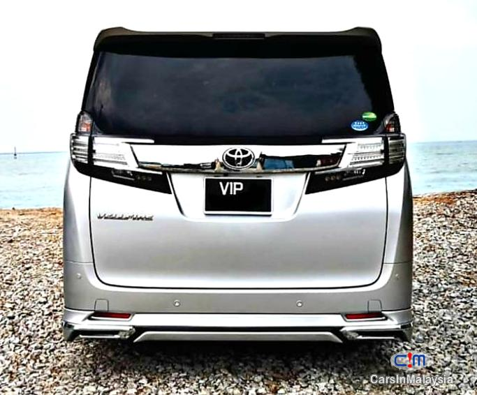 Pictures of Toyota Vellfire 2.5-LITER LUXURY FAMILY SUV Automatic 2015