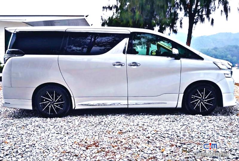 Picture of Toyota Vellfire 2.5-LITER LUXURY FAMILY SUV Automatic 2015 in Malaysia