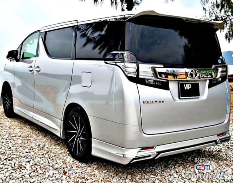 Toyota Vellfire 2.5-LITER LUXURY FAMILY SUV Automatic 2015 in Selangor - image