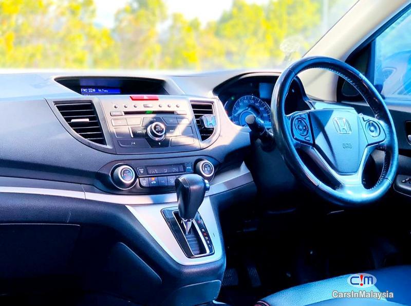Honda CR-V 2.0-LITER ECONOMIC FAMILY SUV Automatic 2014 in Kuala Lumpur - image