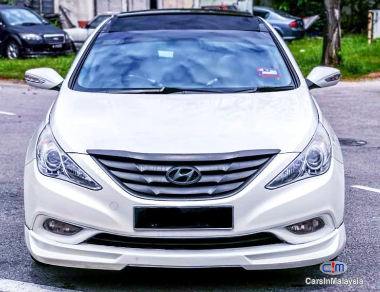 Hyundai Sonata 2.0-LITER LUXURY SEDAN Automatic 2011 - image 5