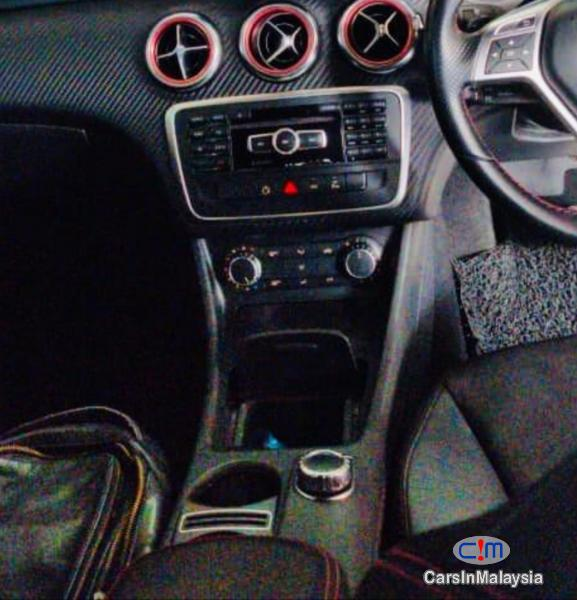 Mercedes Benz A180 1.6-LITER AMG TURBO SPORTY HATCHBACK Automatic 2015 - image 11