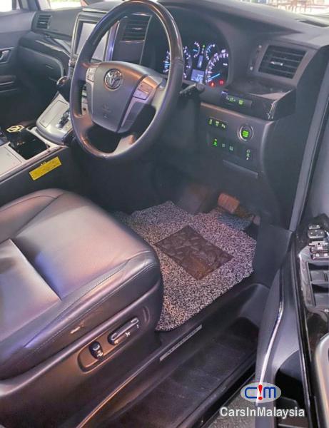 Toyota Alphard 3.5-LITER LUXURY PILOT SEATS FULLSPEC MPV Automatic 2016 - image 12