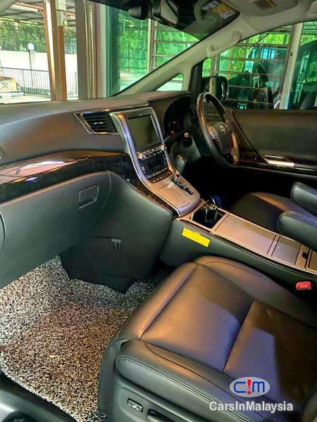 Toyota Alphard 3.5-LITER LUXURY PILOT SEATS FULLSPEC MPV Automatic 2016 in Malaysia - image