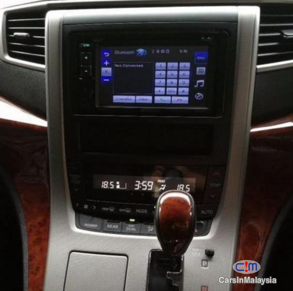 Toyota Vellfire 2.4-LITER LUXURY FAMILY MPV Automatic 2013