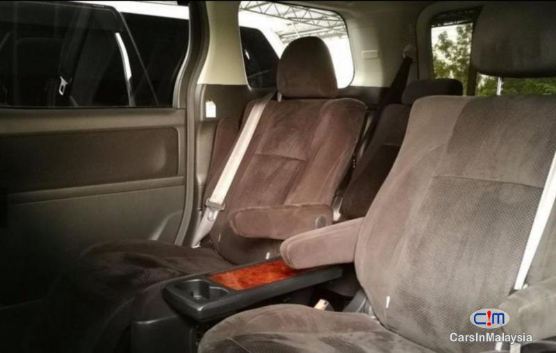 Picture of Toyota Vellfire 2.4-LITER LUXURY FAMILY MPV Automatic 2013 in Malaysia