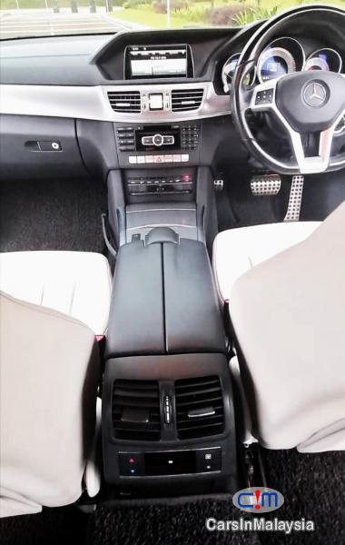 Mercedes Benz E300 2.1-LITER TURBO DIESEL LUXURY SEDAN Automatic 2014 - image 16