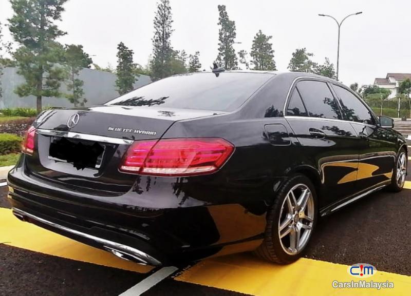 Mercedes Benz E300 2.1-LITER TURBO DIESEL LUXURY SEDAN Automatic 2014