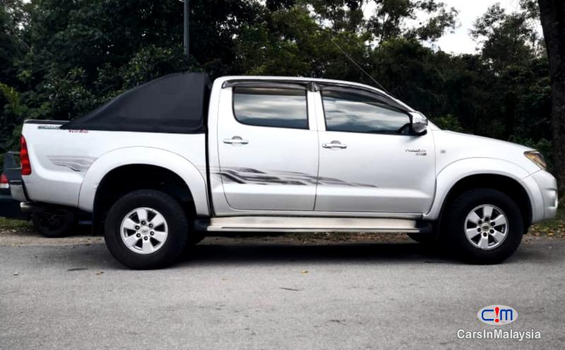 Picture of Toyota Hilux 2 5-LITER DOUBLE CAB AUTO DIESEL TURBO Automatic 2011
