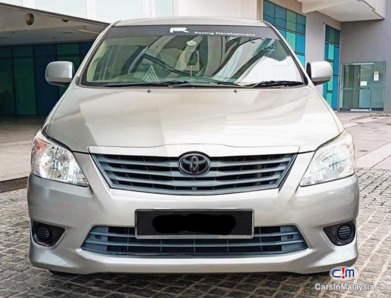 Toyota Innova 2.0-LITER FAMILY MPV 7 SEATER Automatic 2011