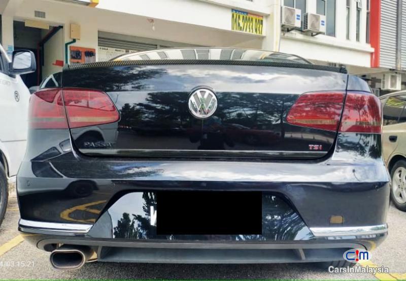 Volkswagen Passat 1.8-LITER LUXURY TURBO SEDAN Automatic 2013