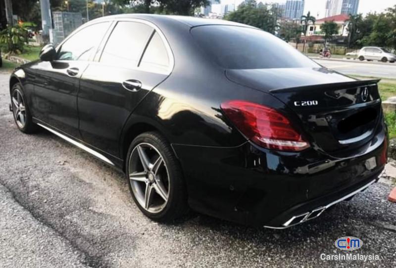 Mercedes Benz C200 2.0-LITER LUXURY SPORT TURBO SEDAN Automatic 2014