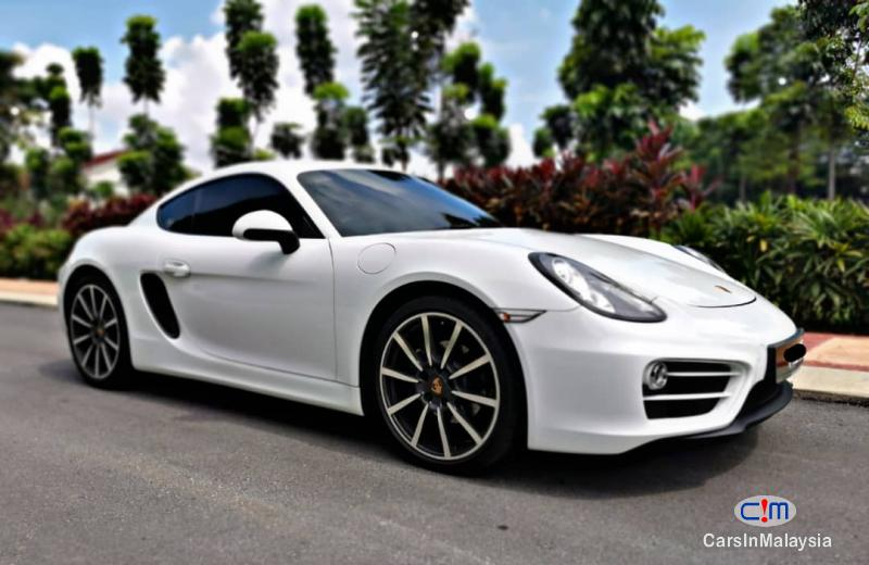 Picture of Porsche Cayman Automatic 2018