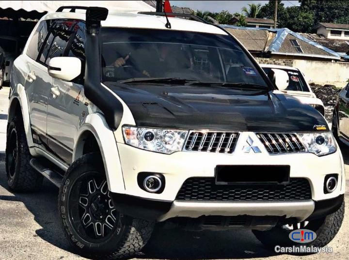 Picture of Mitsubishi Pajero Sport 2.5 VGT 4WD Automatic 2012