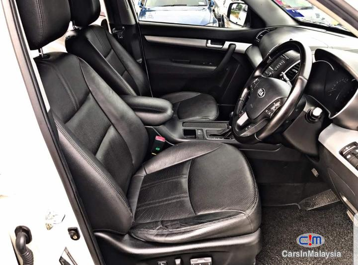 Kia Sorento 2.4 XM Auto SUV Automatic 2014 - image 10