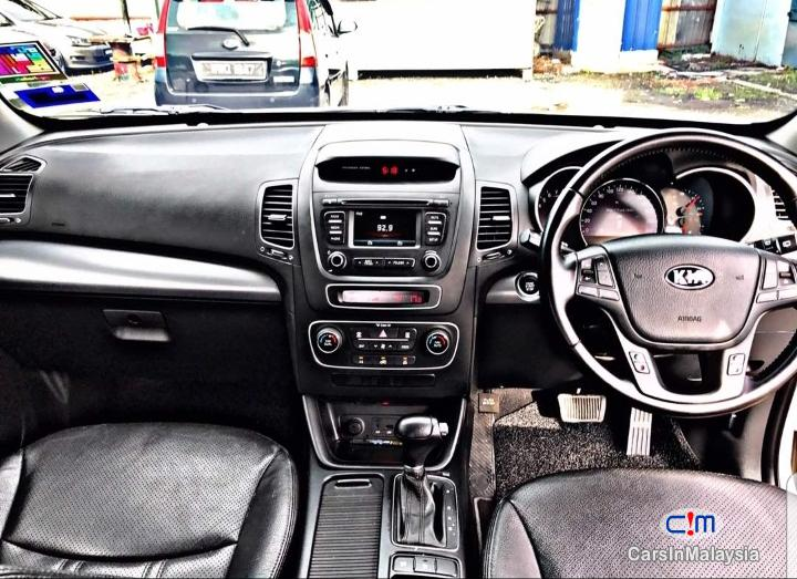 Kia Sorento 2.4 XM Auto SUV Automatic 2014 - image 11