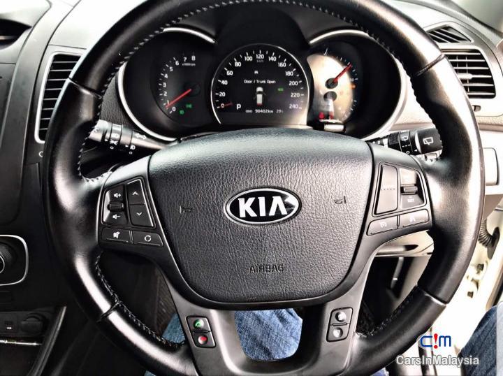 Kia Sorento 2.4 XM Auto SUV Automatic 2014 - image 15