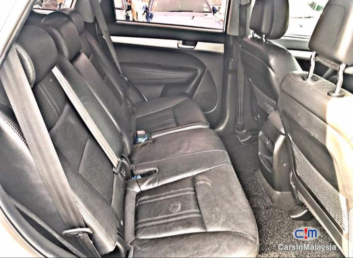 Kia Sorento 2.4 XM Auto SUV Automatic 2014 - image 16