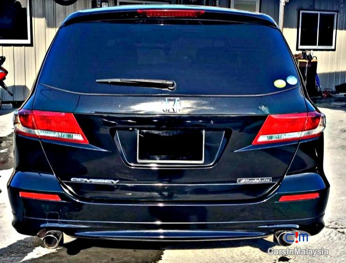 Picture of Honda Odyssey 2.4-Liter Luxury Family MPV 7 Seater Automatic 2014 in Malaysia