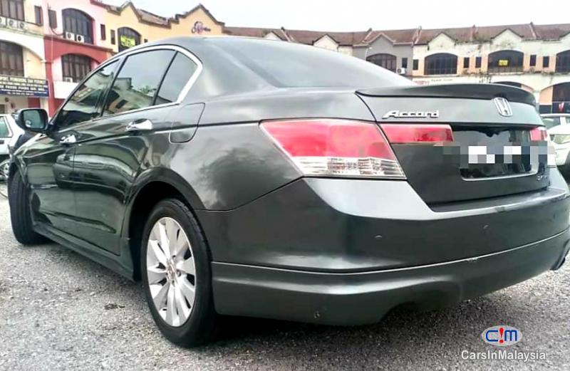 Pictures of Honda Accord 2.4-LITER LUXURY SEDAN Automatic 2010