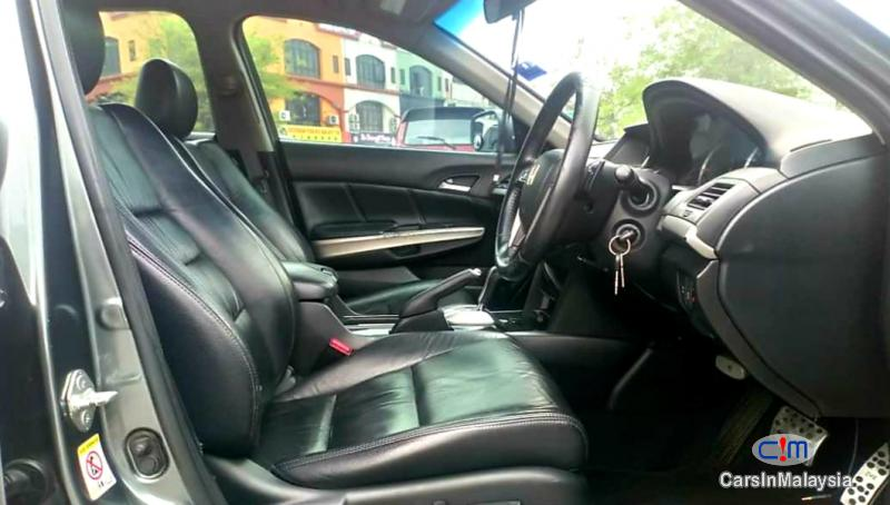 Honda Accord 2.4-LITER LUXURY SEDAN Automatic 2010 in Malaysia - image