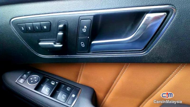 Mercedes Benz E250 CGI 1.8-LITER LUXURY SEDAN Automatic 2012 - image 13