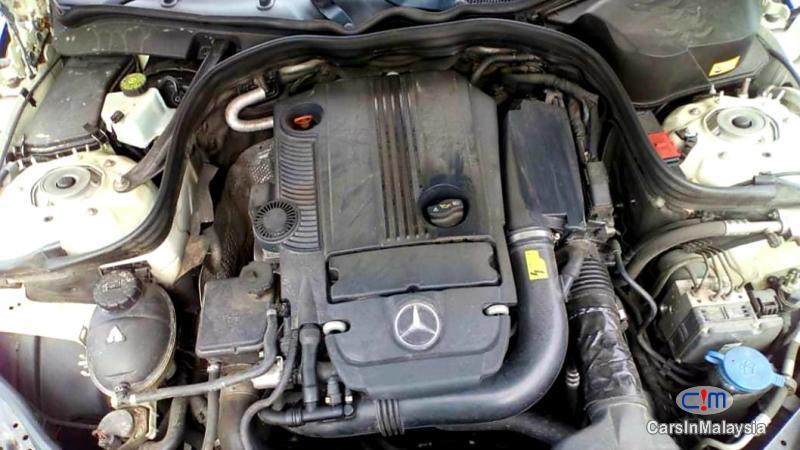 Mercedes Benz E250 CGI 1.8-LITER LUXURY SEDAN Automatic 2012 - image 9