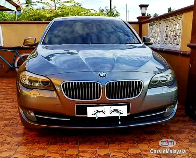 Pictures of BMW 5 Series 2.5-LITER LIMOUSINE LUXURY SEDAN Automatic 2011