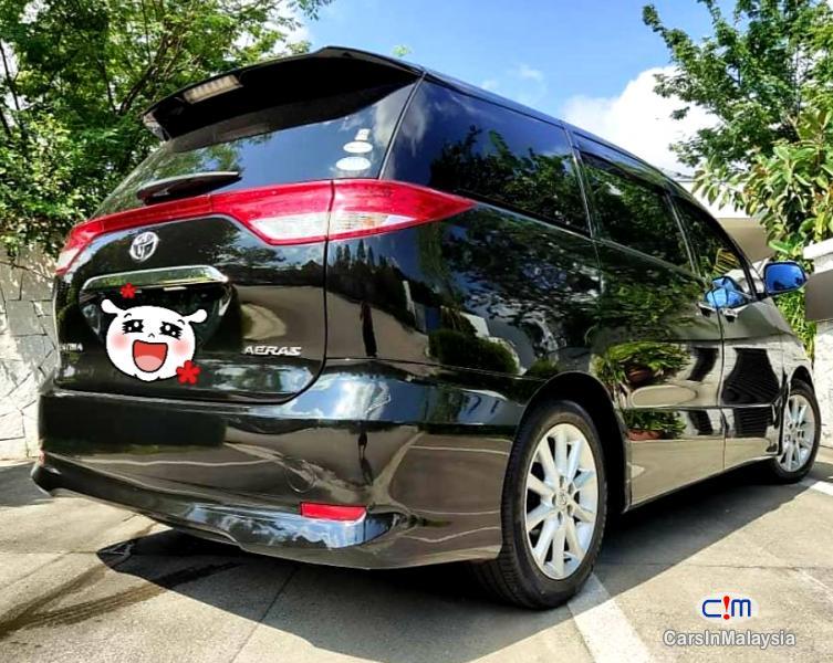 Toyota Estima 2.5-LITER 7 SEATER FAMILY MPV Automatic 2015 in Malaysia