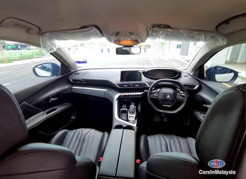 Peugeot 5008 1.6-LITER LUXURY TURBO SUV Automatic 2020 - image 4