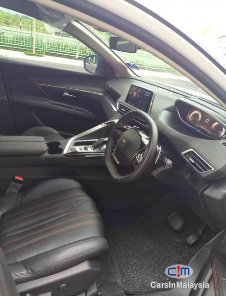 Peugeot 5008 1.6-LITER LUXURY TURBO SUV Automatic 2020 - image 6
