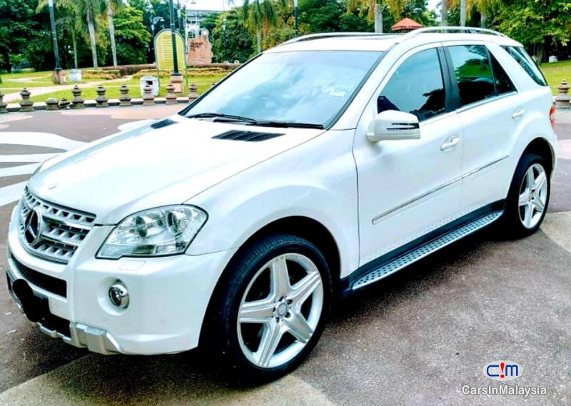 Picture of Mercedes Benz ML300 3.0-LITER LUXURY MPV Automatic 2012