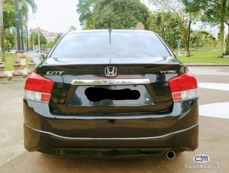 Honda City 1.5-LITER FUEL ECONOMY SEDAN Automatic 2010 - image 6