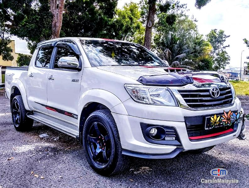 Picture of Toyota Hilux 2.4-LITER TRD SPEC 4X4 4WD DIESEL TURBO Automatic 2015