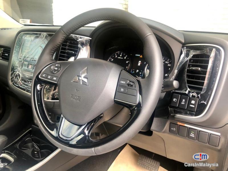 Mitsubishi Outlander 2.4 MIVEC Automatic 2019 - image 10