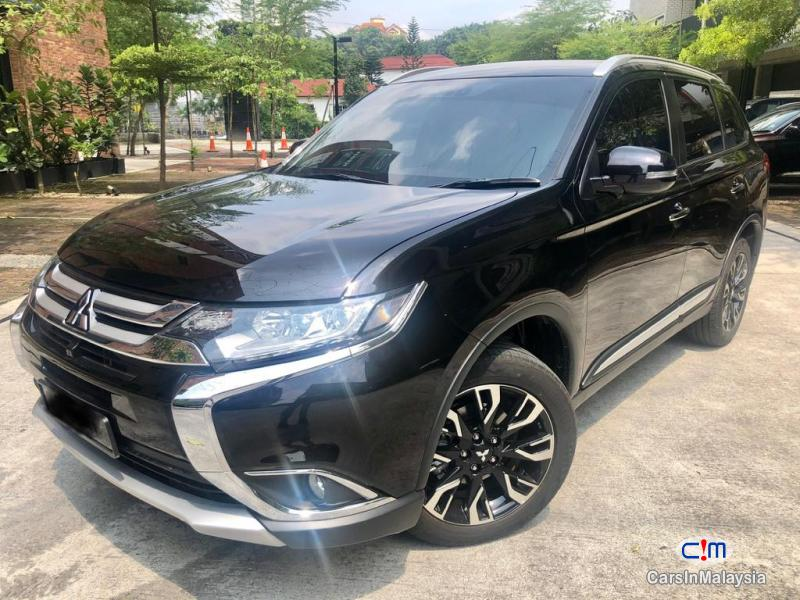 Picture of Mitsubishi Outlander 2.4 MIVEC Automatic 2019