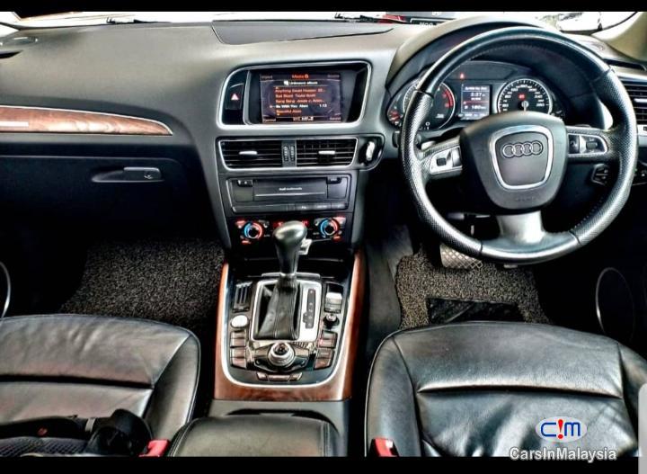 Audi Q5 Automatic 2010 - image 10