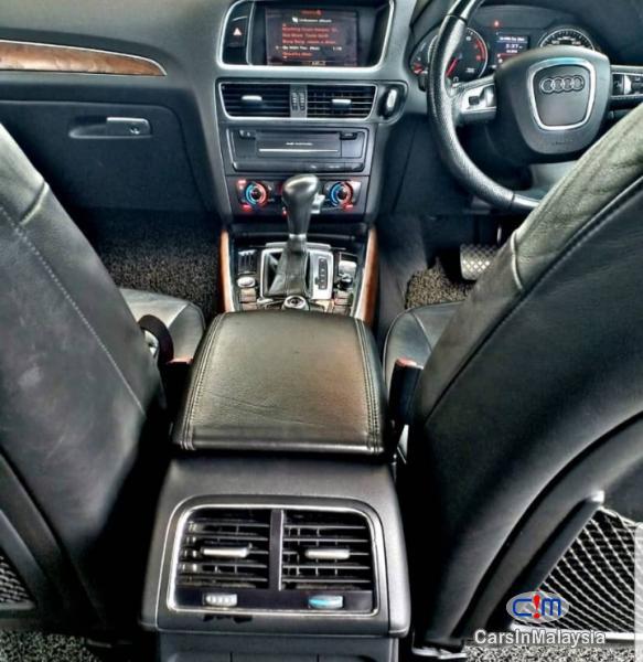 Audi Q5 Automatic 2010 - image 11